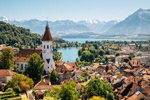 東京ではロクな子に育たない? 子どもをスイスに留学させよう!
