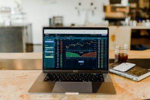 資産投資の初心者が失敗しないために必要な考え方とは?